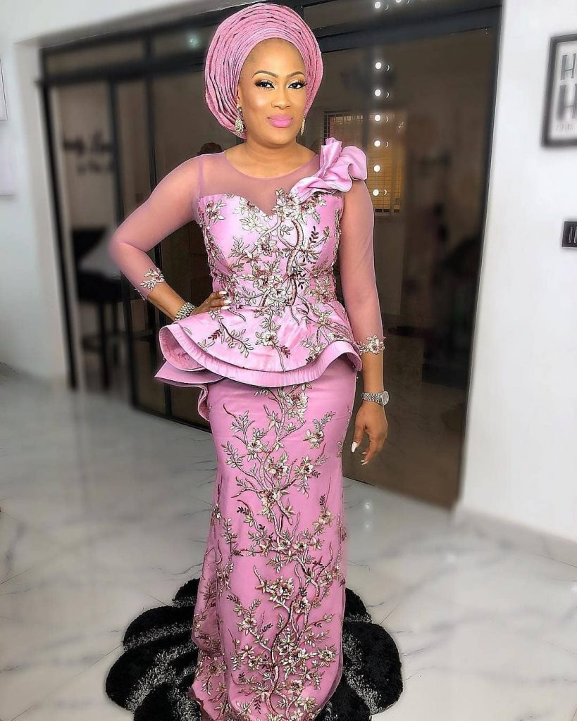 Ladies Zone: Style Slayers Get in Here! Checkout These Trendy EbFabLook Aso-Ebi Styles
