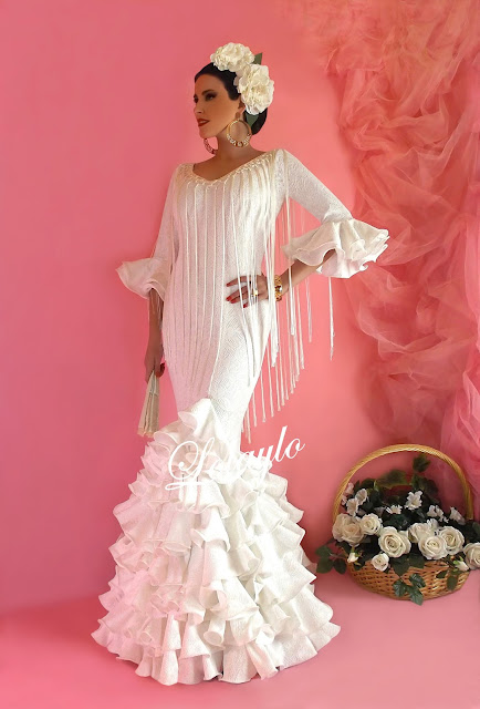 81b8940ac Vestido de flamenca color blanco – Vestidos de Noche