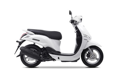 Yamaha D'elight Scooter white side image