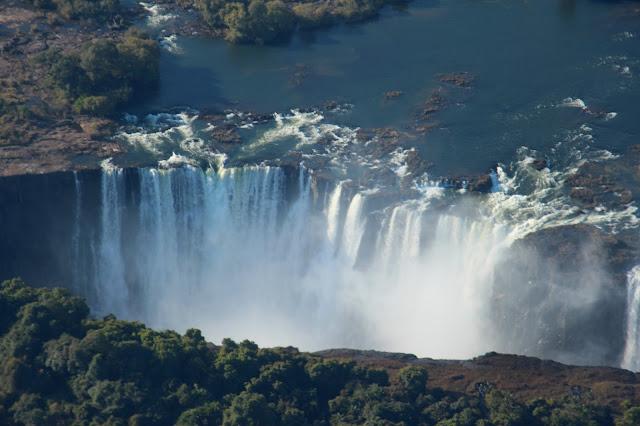 HELICÓPTERO NAS CATARATAS DE VITÓRIA | O voo dos anjos sobre Vitória Falls | Zimbábue