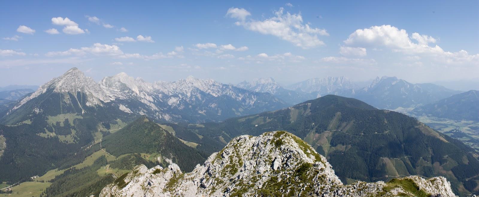 Von der Ardningeralmhütte über den Wildfrauensteig auf Frauenmauer, Bosruck und Kitzstein. - Panorama Bosruck
