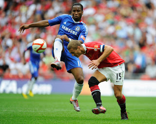 Manchester United defender Nemanja Vidic calls Didier Drogba the best