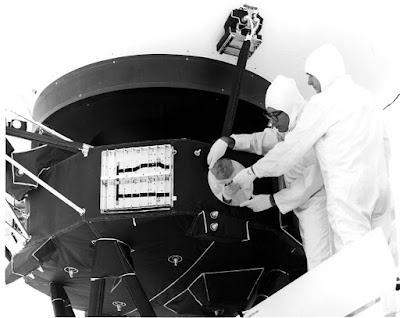 voyager-spacecraft-golden-records