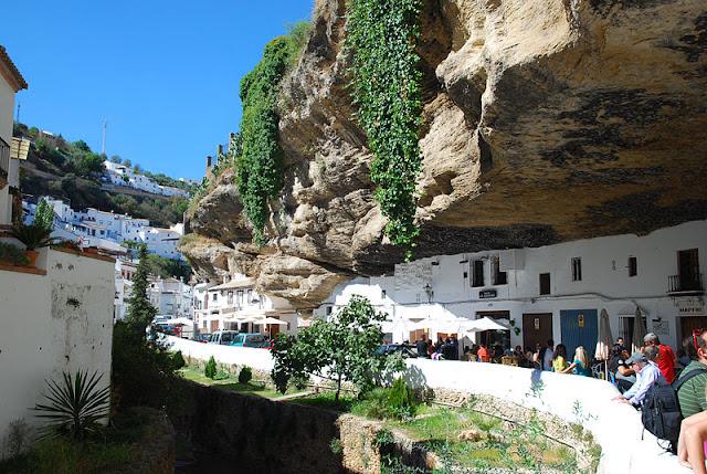Qual o melhor transporte pelo sul da Espanha (Andaluzia)? Como ir de Granada a Barcelona ou de Barcelona a Granada?