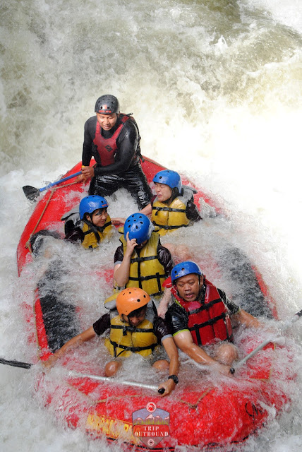 Rafting Arung Jeram Sungai Cisangkui Pangalengan
