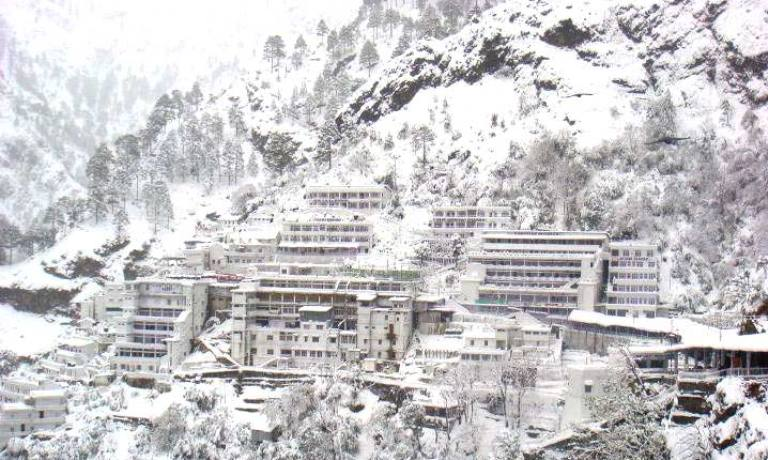best time to go on vaishno devi yatra bhawan in hindi haat