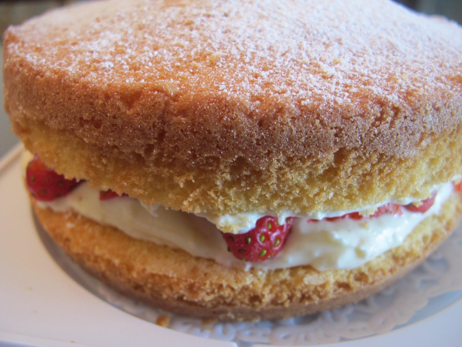 Basic Vanilla Sponge Cake Large Square Order Online
