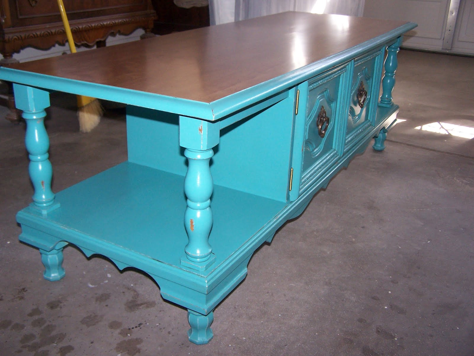 ChiChi Vintage: Turquoise Scrolly Coffee Table