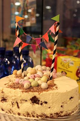 lastenkutsut kakku koristelu