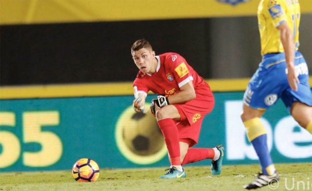 Raúl Lizoain volvió a defender la porteria amarilla