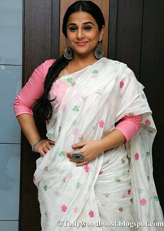 Vidya Balan Stills In White Saree At Hindi Film Interview
