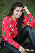 Mannara Chopra Sizzling Stills-thumbnail-7