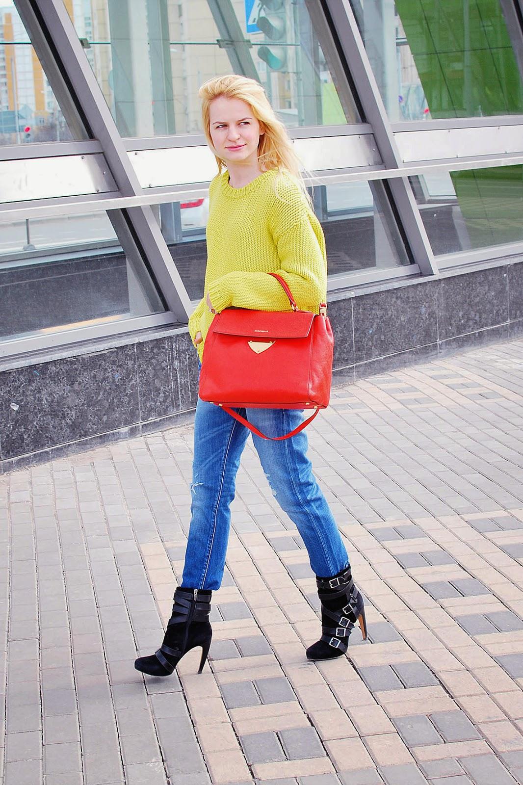 уличная мода, московские блоггеры, модные блоггеры, лук с рваными джинсами, стильные джинсы, мода весна 2015