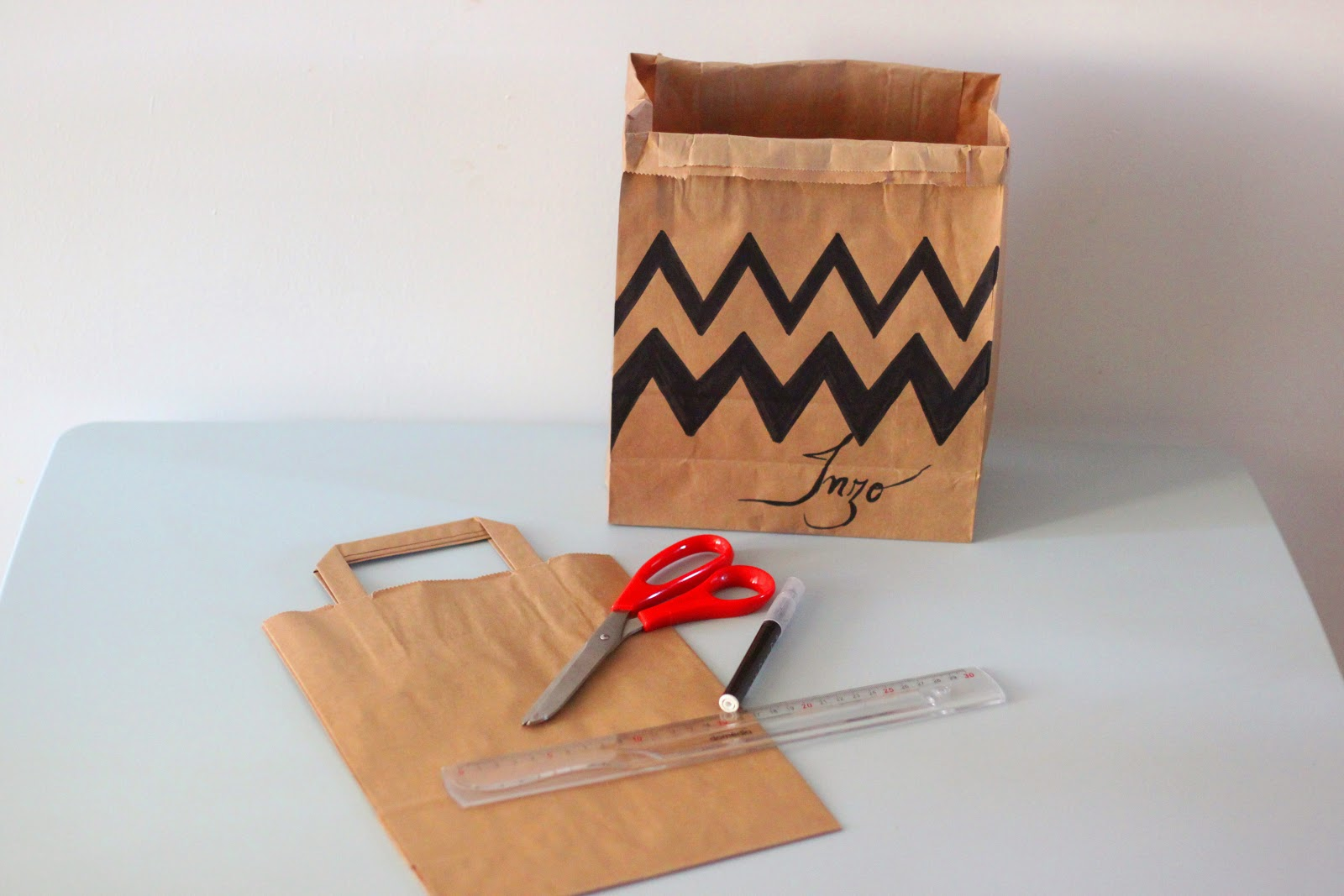 rilazo diy petit sac de rangement en papier kraft. Black Bedroom Furniture Sets. Home Design Ideas
