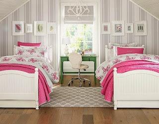 dormitorio decorado en gris y rosa
