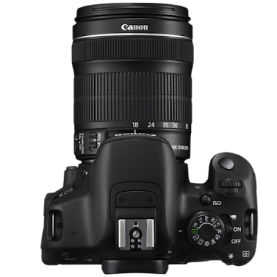 Canon EOS 700D /  EF-S 18-135mm STM lens