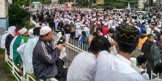 Aki 112, Muhammad Al-Khathath 'Baiat' Umat Islam Akan Pilih Cagub......