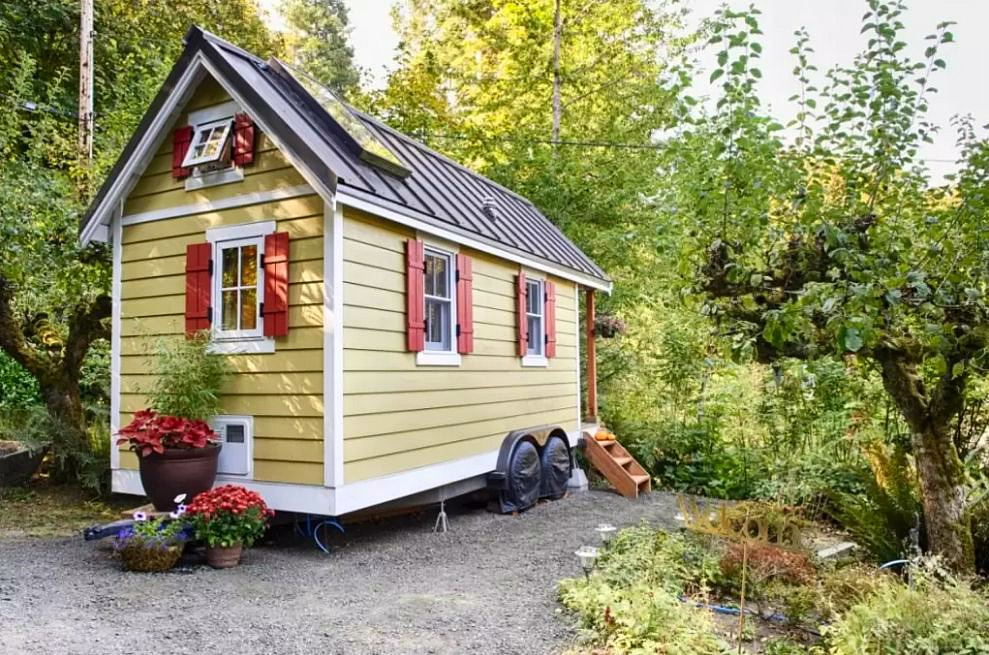 Prime The Yellow Tiny House By The Bay Tiny House Town Largest Home Design Picture Inspirations Pitcheantrous