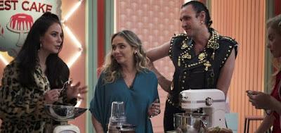 Vivi (Paolla Oliviera) é bem mais carrasca do que os colegas Carole Crema e Dudu Bertholini