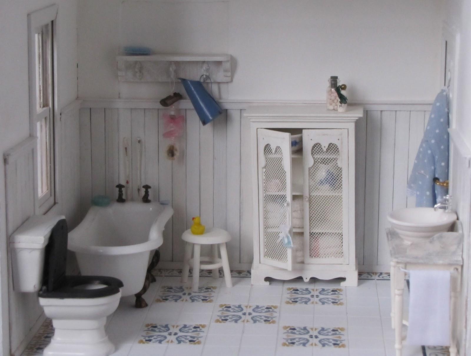 Poppenhuisklad ger badkamer