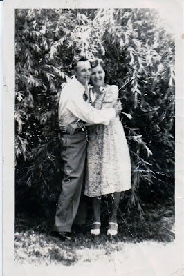 Climbing My Family Tree: Owen Carl Henn and Anna Mae (Bennett) Henn, my paternal grandparents