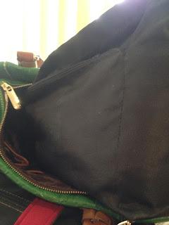 Mi bolsa y el cansancio de mi espalda.