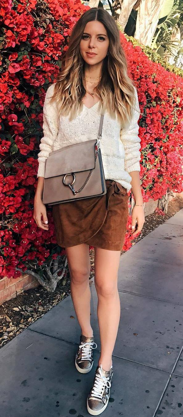 best fall outfit idea: knir + bag + skirt + sneakers