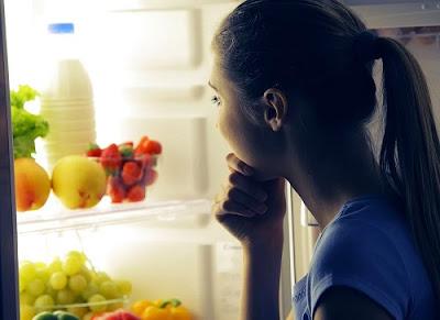 Pourquoi il faut manger avec précaution avant de dormir