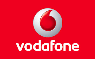 Vodafone Offer : Refer Friends And Get 1 Year Free Calling Minutes And Rs.100/- for Next Three Months