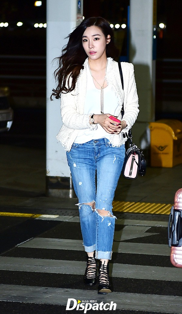 Snsd Tiffany Is Off To Hawaii For A Pictorial Wonderful Generation