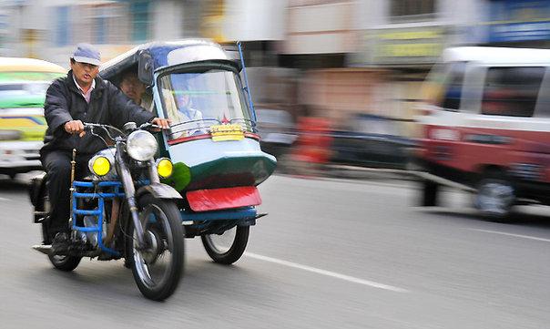Inilah Becak Siantar, Kereta Perang di Jalur Kenangan | Becak Motor - Becak Siantar - becak terkeren di Indonesia