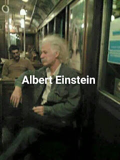 Parecidos de famosos en el transporte público albert einstein
