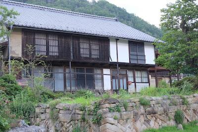 長野県生坂村 工芸と喫茶ひとつ石 母屋