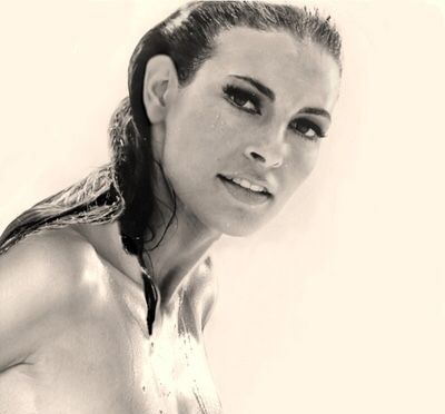 Raquel Welch movieloversreviews.filminspector.com
