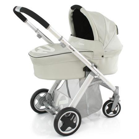Babystyle Oyster  Vogue Pram Travel System Humbug Black Chassis