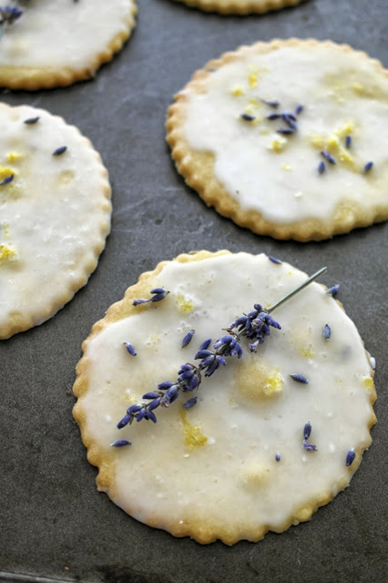Lavender Cookies Recipe - via BirdsParty.com
