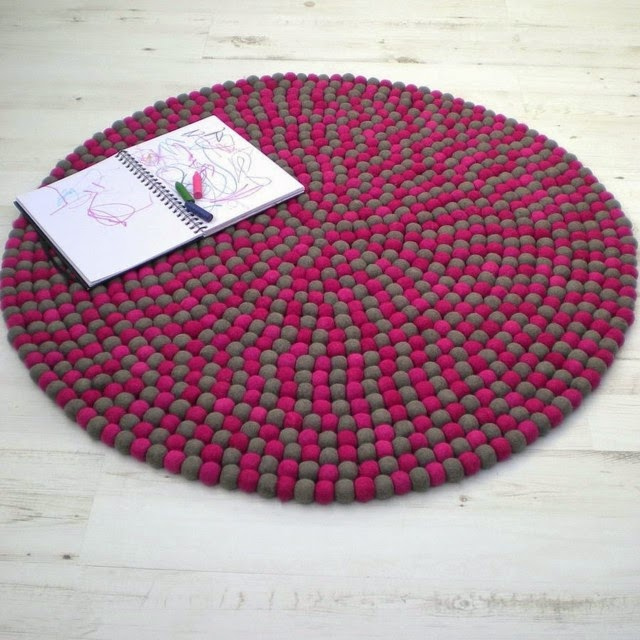 Round Handmade Rugs Design In Red Color
