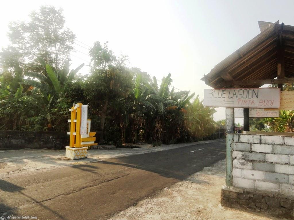 """Gapura menuju """"Blue Lagoon"""" Tirta Budi, Jogja"""