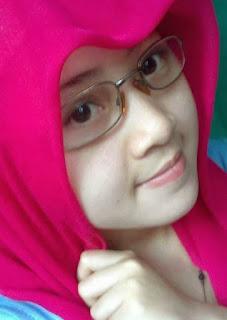 Gadis Surabaya Cari Jodoh Muslim Sholih