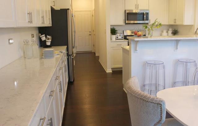 LG Viatera-quartz-Minuet-countertop-white-kitchen-shaker