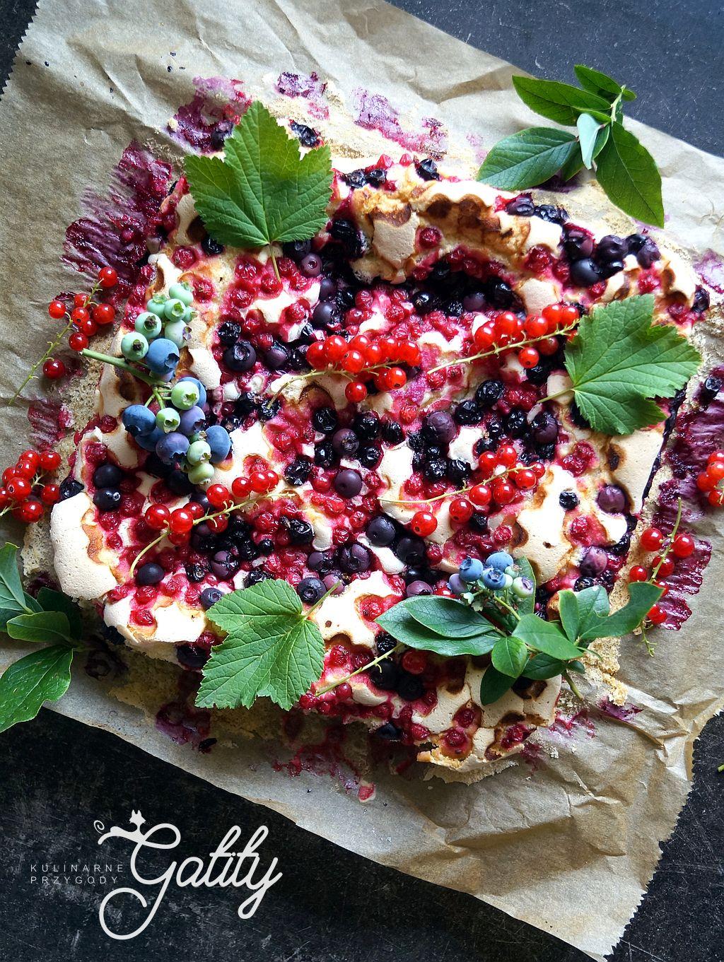 kolorowe-ciasto-z-owocami