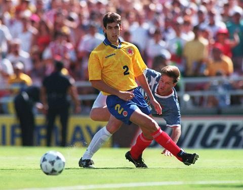 Hậu vệ Andres Escobar của đội tuyển Colombia đã bị bắn chết do pha phạm lỗi đá phản lưới nhà làm đội bóng bị loại sớm khỏi World Cup 1994.
