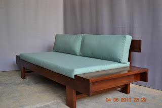 Sofa khas jawa milik The Noto's yang juga digandrungi wisatawan asing dan domestik