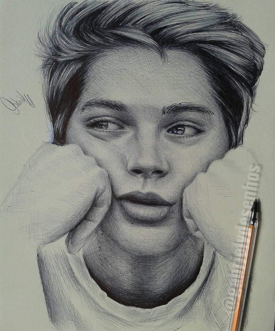 02-Gabriel-Vinícius-Black-and-White-Realistic-Ballpoint-Pen-Drawings-www-designstack-co