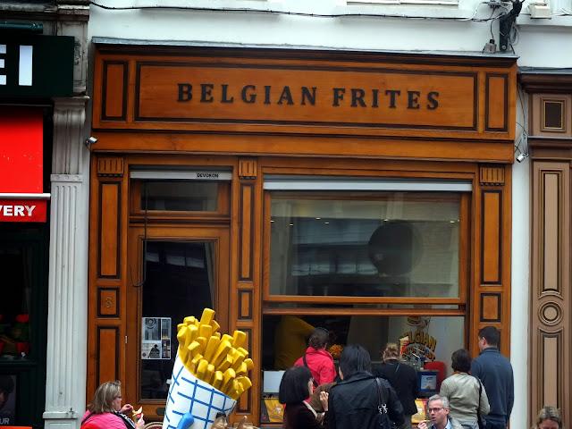 las patatas fritas son típicas de Bruselas