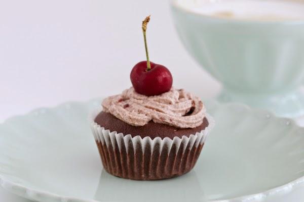 Cupcake Kirschen Geschirr IB Laursen Schoko