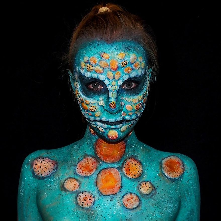 10-Lara-Wirth-Armageddon-Painted-Turning-into-Monsters-with-Body-Painting-www-designstack-co