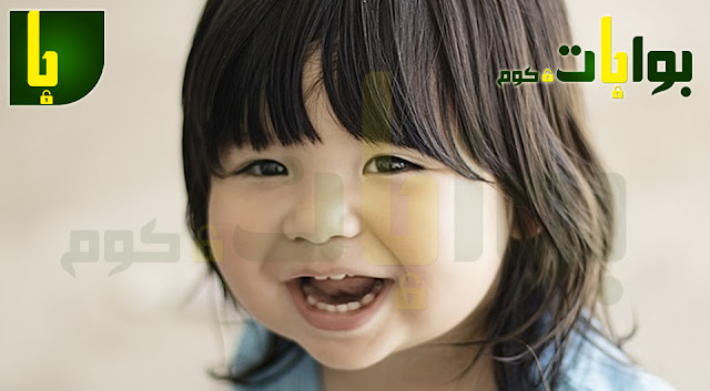 في حال تأخر ظهور اسنان الطفل بعد 13 شهر من عمره لا بد من عرض الطفل على طبيب الاسنان المختص حتى يقوم بإجراء الفحوصات الطبية اللازمة للإطمئنان على الطفل واسنانه والتأكد من وجود أسباب مرضية تمنع خروج الاسنان كقصور الغدة الدرقية مثلا ، ويقوم الطبيب بفحص نسبة الكالسيوم فى جسم الطفل وفيتامين (د) ، ثم يقوم بوصف العلاج المناسب لحالة الطفل اذا كان السبب واضحا أو اجراء المزيد من الفحوصات والتحاليل للوصول الى سبب عدم ظهور اسنان الطفل .