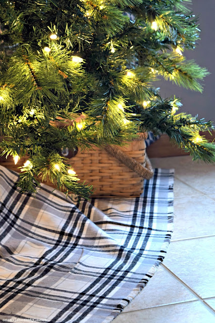Easy DIY farmhouse style black and white plaid Christmas tree skirt