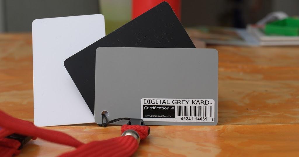 Come usare il cartoncino grigio medio per il bilanciamento del bianco - Corso di Fotografia - Lezione 30